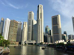 シンガポールのオフィス街/60階建ての高層ビル
