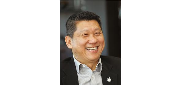 商売の基本は人間関係。「信頼関係」を築くことが、商売成功の秘訣だと思います。<br>Lee Ee Hoe(ダト・スリー・リー・イー・フイ)さん、経済学部 28期/1996年卒 栗林ゼミ
