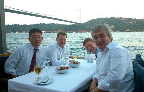 (トルコのイスタンブールでのビジネスミーティング)